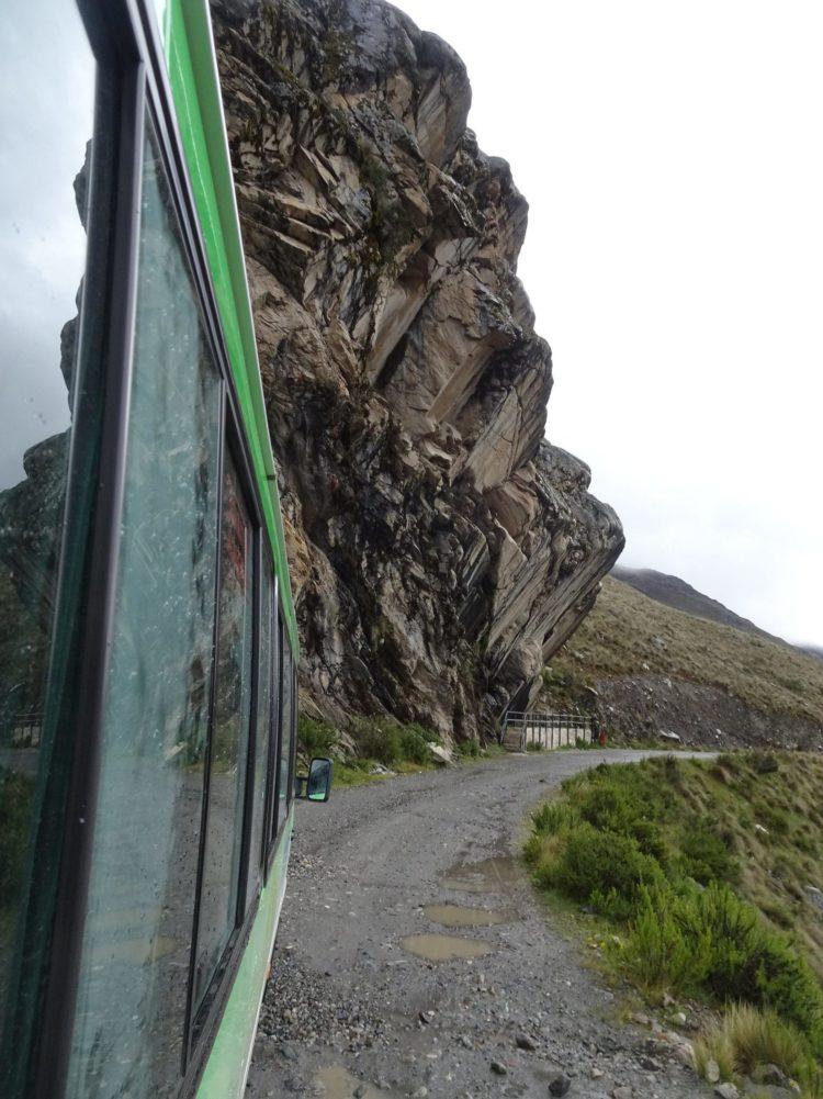 Chemin pour accéder au glacier depuis la route. Près de 30km sur ce tape-cul