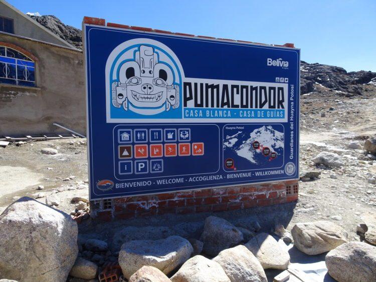Pancarte à côté du camp de base