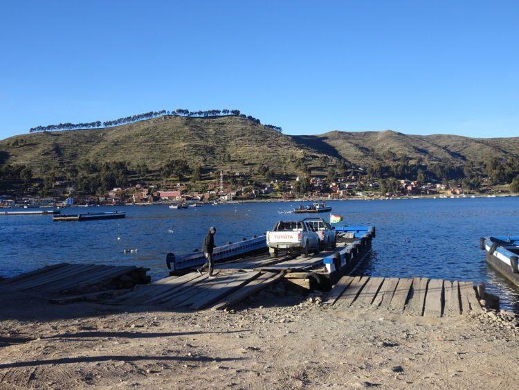 Passage en barque sur le lac Titicaca à San Pedro de Tiquina