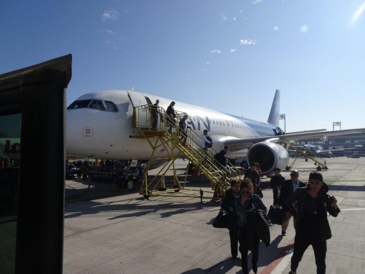 Descente de l'avion à Santiago de Chile