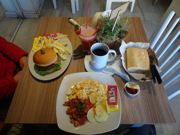 Cafe del Mundo : round 3