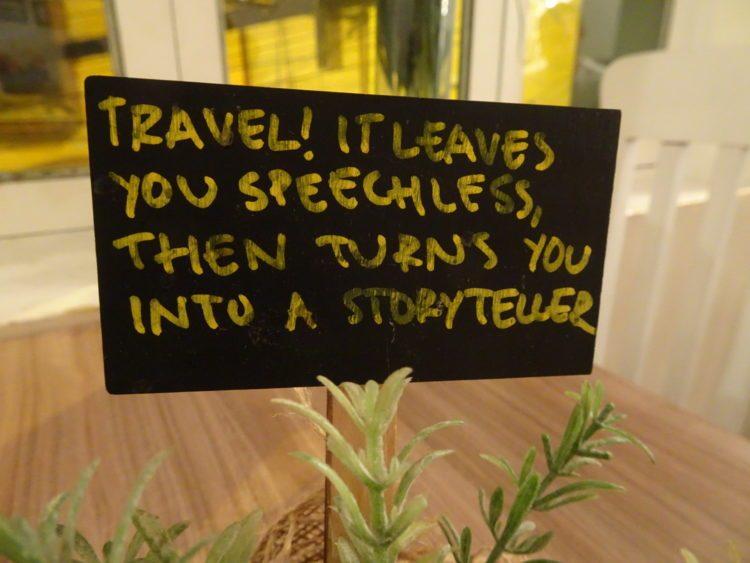 Citation pleine de bon sens trouvé sur une table du Cafe del Mundo