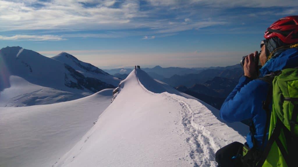 David concentré au sommet de la Punta Castore - 4223 m