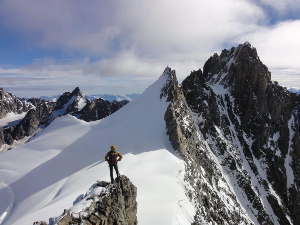 Notre guide de l'UCPA, Jean-Luc, debout sur la Punta Isabella - 3761 m