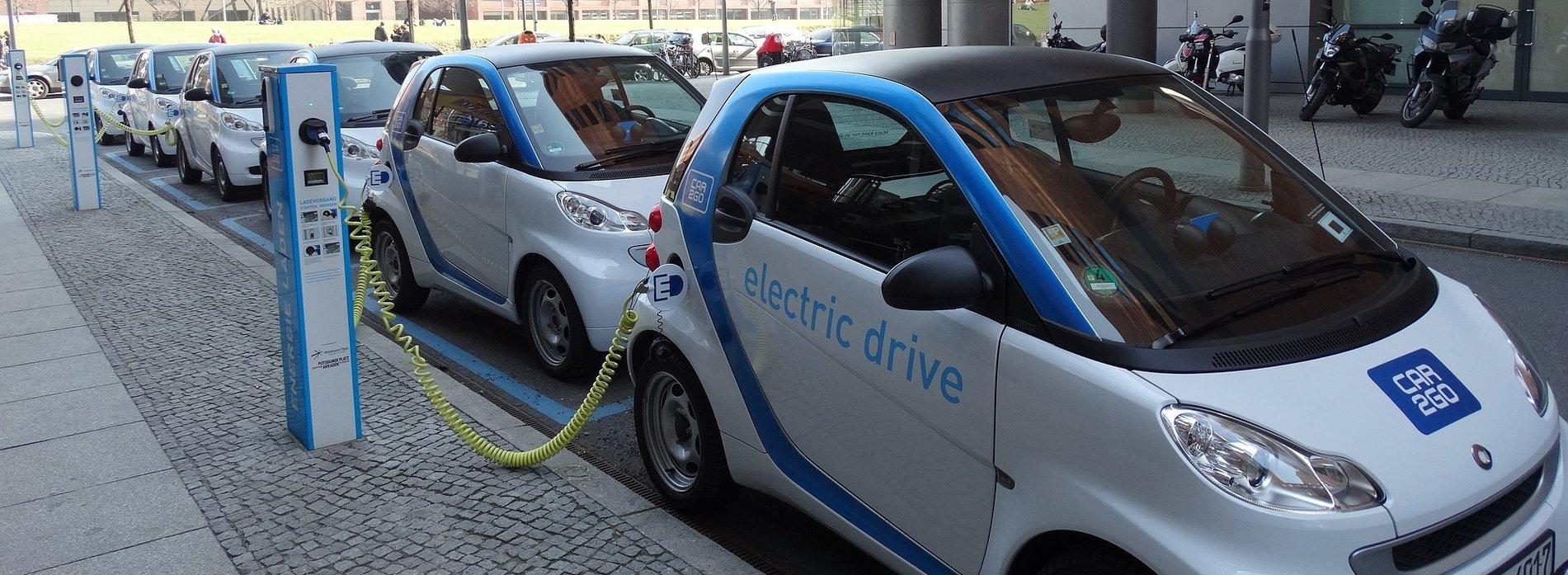 voitures électriques (photo pixabay.com)