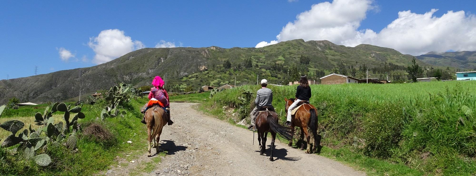 Balade à cheval près de Huaraz avec vue sur la Cordillère Blanche