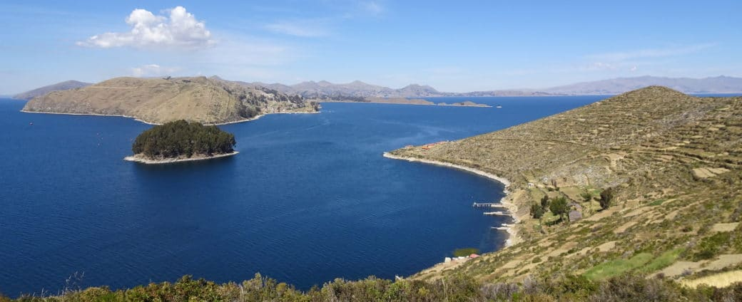 Vue sur le lac Titicaca depuis l'Isla del Sol